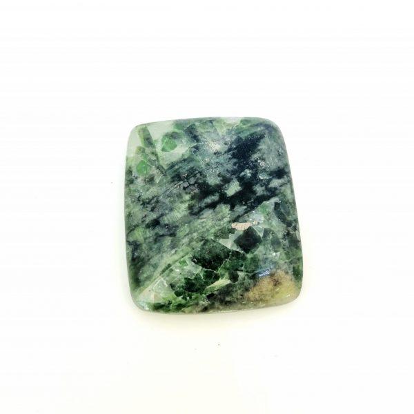 Grenat vert, pierre naturelle, natural stone – Russie