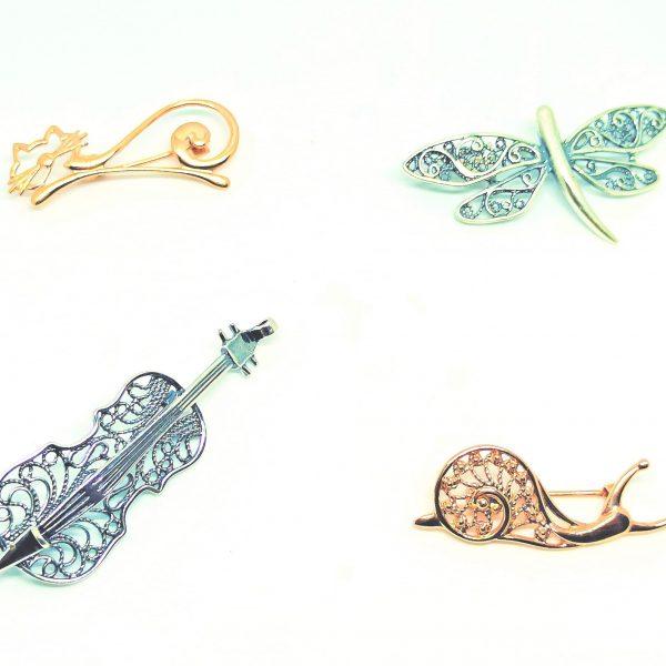 Bijou artisanal russe, broche en filigrane brooch